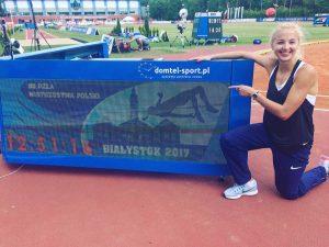 Najlepsza polska płotkarka na stadionie w Białymstoku (Facebook Karoliny Kołeczek)