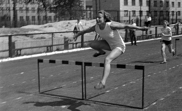 Henryka Staneta-Jóźwik w 1960 r.  była także najlepszą płotkarką w okręgu