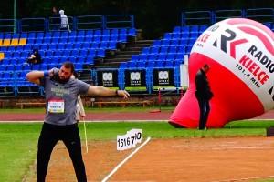 Michał Haratyk, zwycięzca pchnięcia kulą z wynikiem 21,23 m