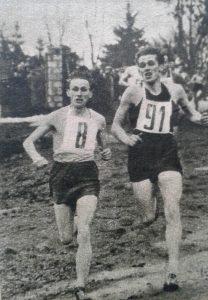 Marian Jochman (nr 8) cztery razy wygrywał bieg na 3 km