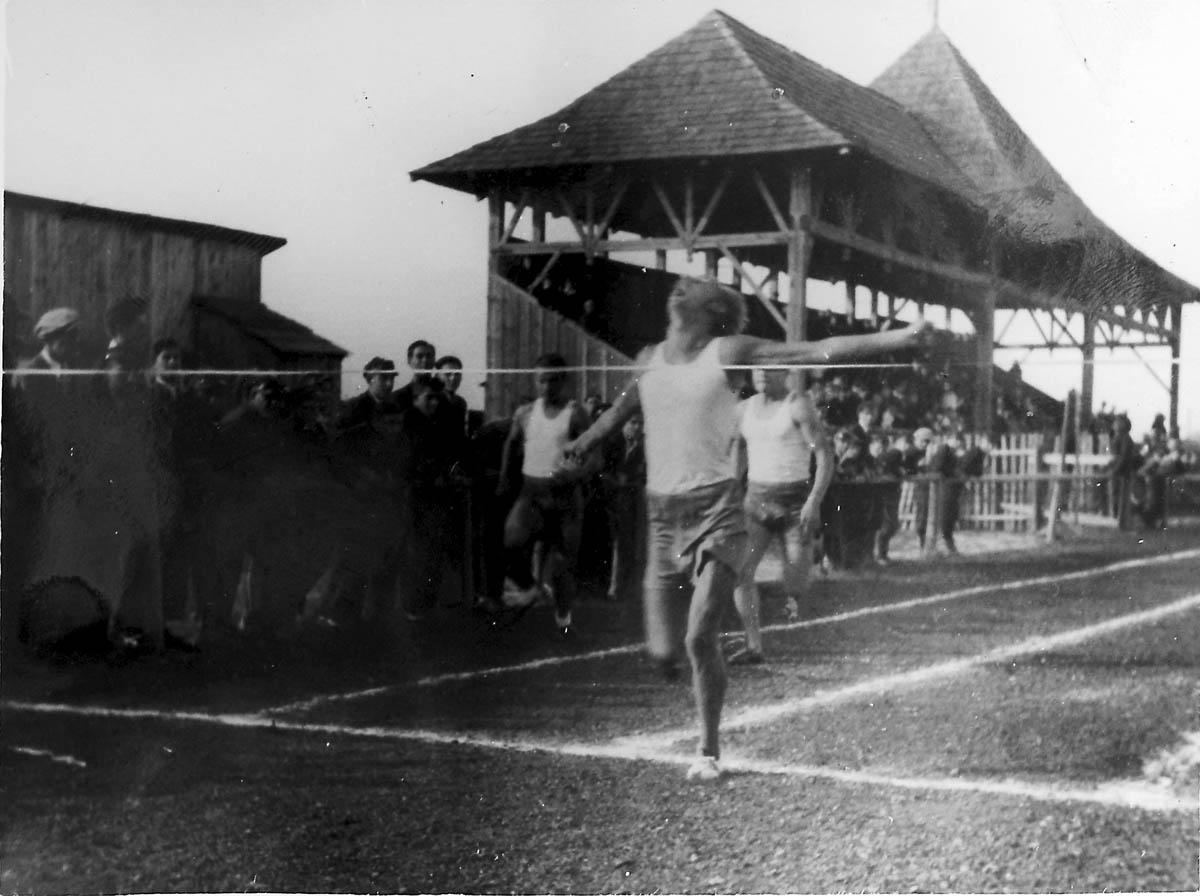 Jerzy Łukaszewski w drużynowych mistrzostwach Kielc wygrał biegi na 100 i 200 m