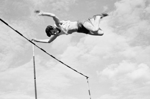 Henryk Pronobis w efektownym skoku