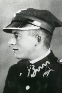 Jan Rejecki w mundurze podchorążego lotnictwa (www.muzeumkatynskie.pl)