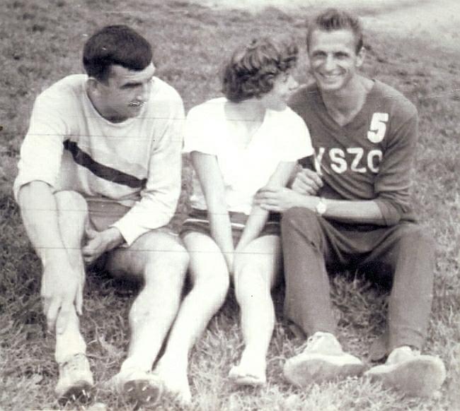 Czołowi lekkoatleci Ostrowca w 1964 roku, od lewej Jan Sadkowski, Lidia Rogowska i Władysław Solonek